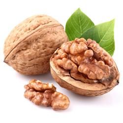 Витаминная смесь из сухофруктов с орехами и ее ингредиенты
