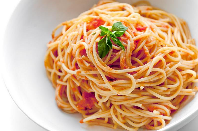 Спагетти в томатной пасте
